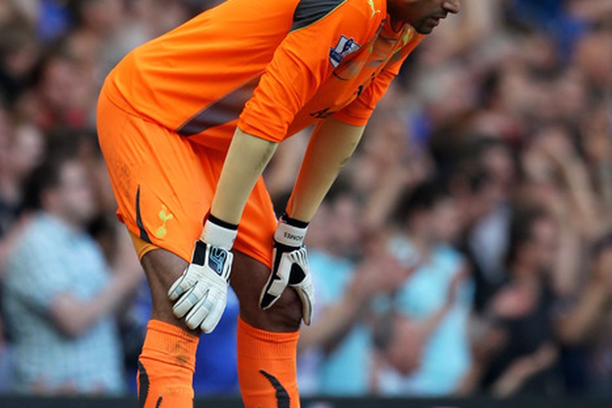 LONDON, ENGLAND - APRIL 30:  A dejected Heurelho Gomes of Spurs looks on during the Barclays Premier League match between Chelsea and Tottenham Hotspur at Stamford Bridge on April 30, 2011 in London, England.  (Photo by Clive Rose/Getty Images)