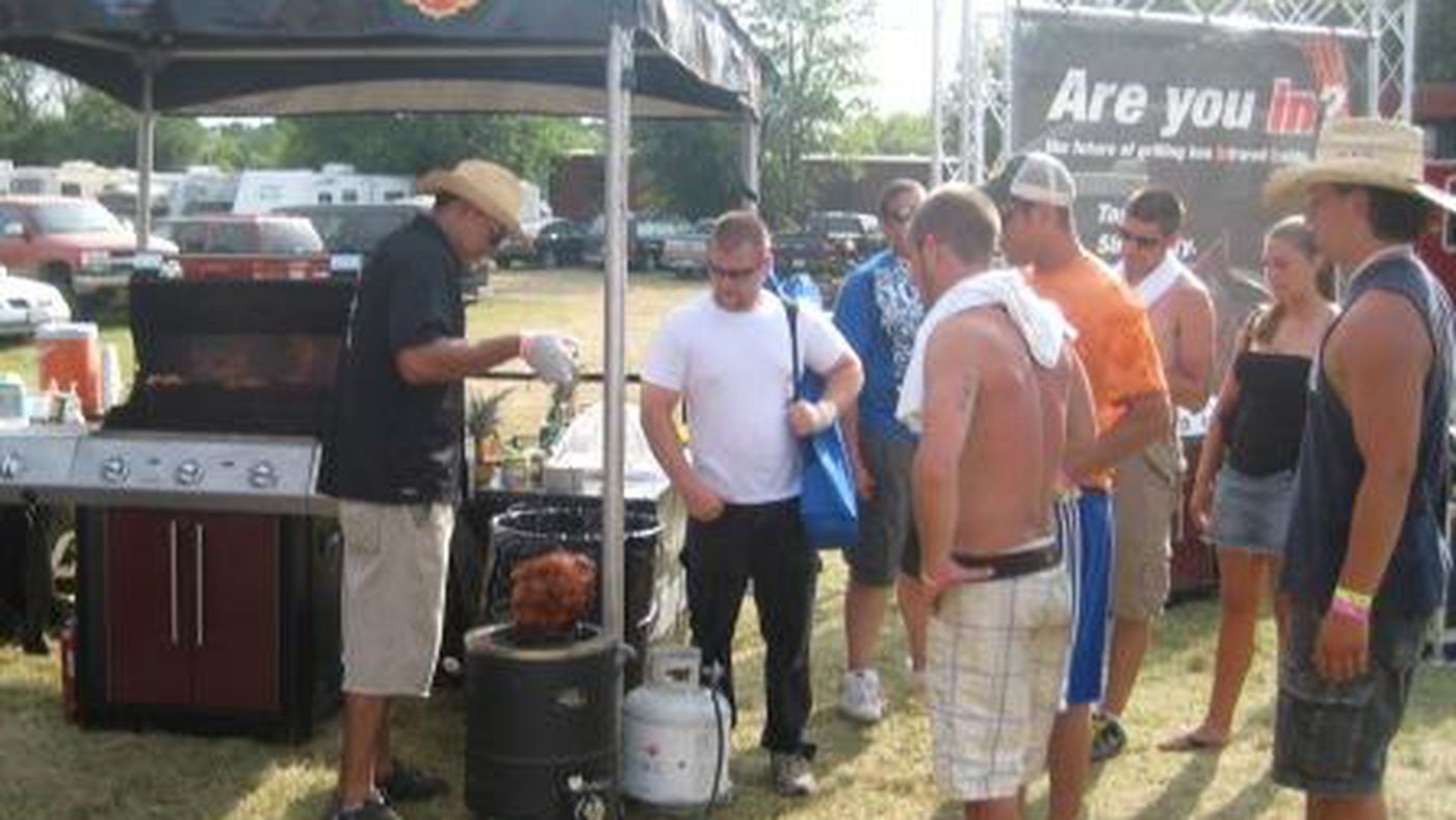 7b85f2ae2 Tailgate Preview  West Virginia - Wide Right   Natty Lite