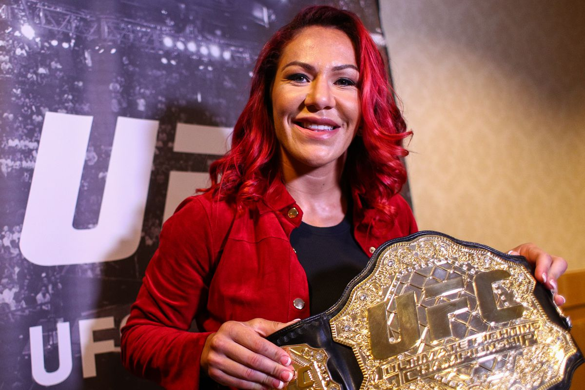 UFC 219 results, highlights: Cris Cyborg outduels Holly Holm to retain title