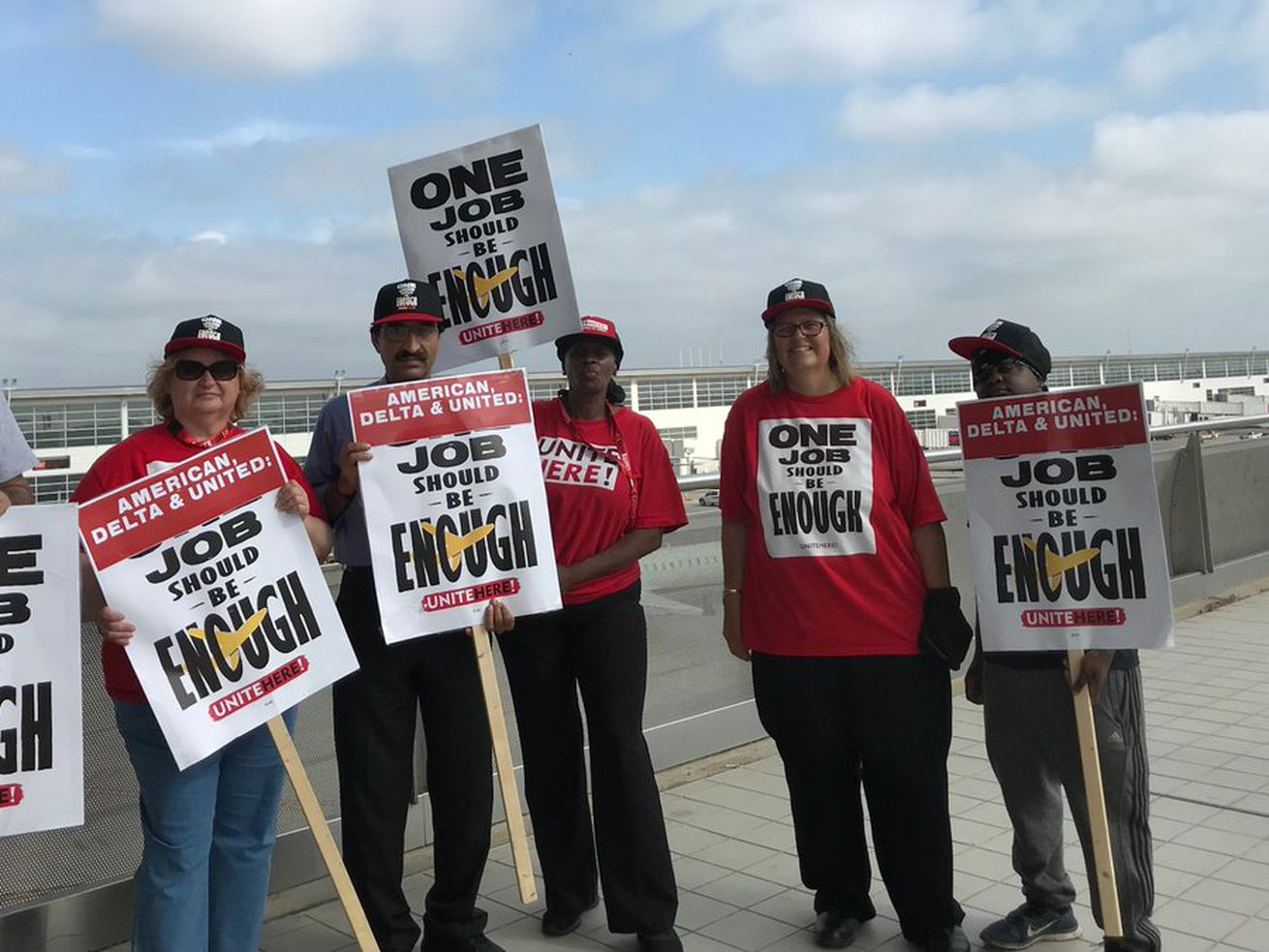 Airline Caterers Are Picketing at Over 30 U.S. Airports