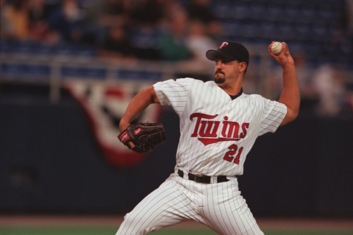 Twins vs. Devil Rays - 04/04/2000. Twins pitcher Eric Milton during Tuesday night's game against the Tampa Bay Devil Rays.
