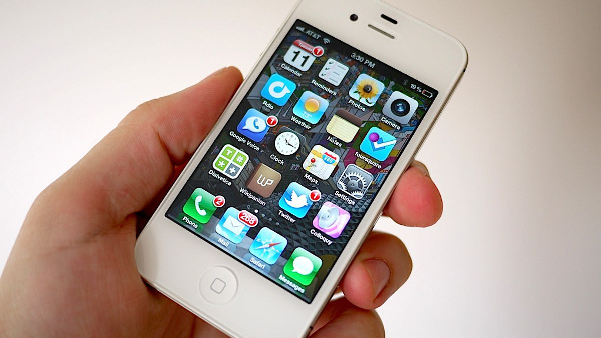 Iphone 4s Review The Verge New Electronic Desing 2011 Simple Led Display Warn Battery Low Main