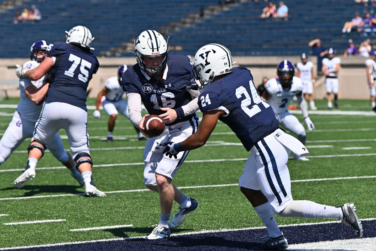 COLLEGE FOOTBALL: SEP 18 Holy Cross at Yale