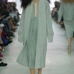 Pipatchara Kaeojinda +Emma Mengchen Yang, winners of L'Ecole de la Chambre Syndicale de la Couture Parisienne internships