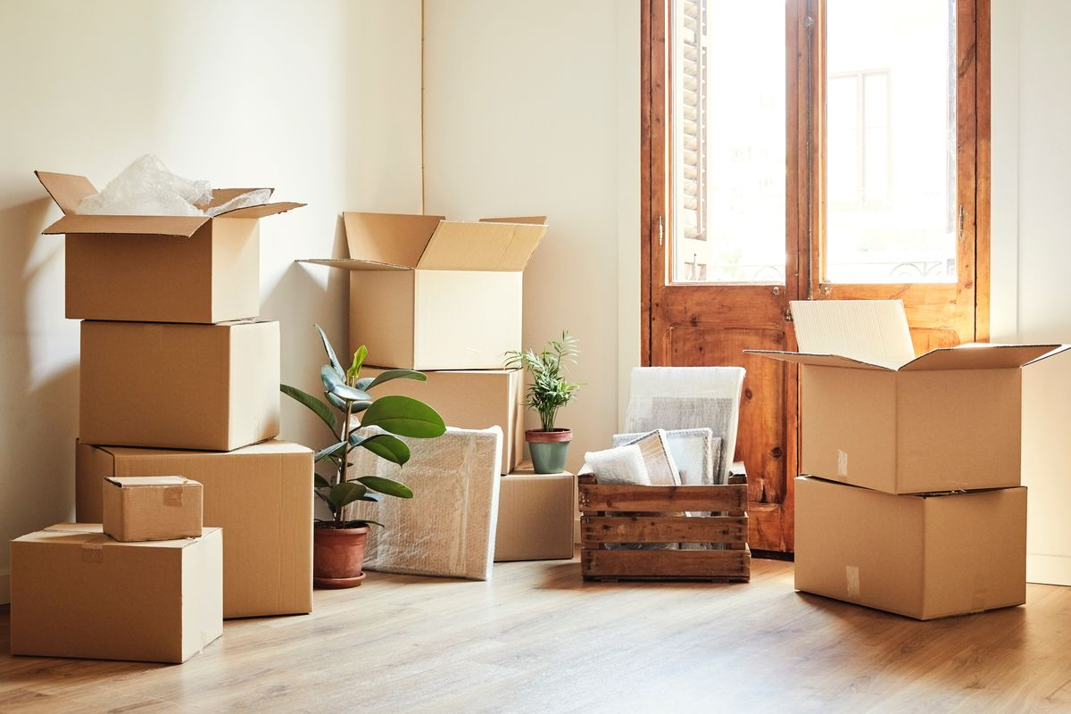 Moving Houses, Moving Company