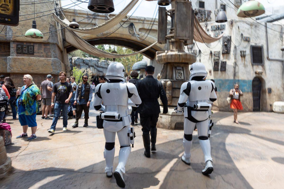 Disneyland's Star Wars: Galaxy's Edge: how to talk to the