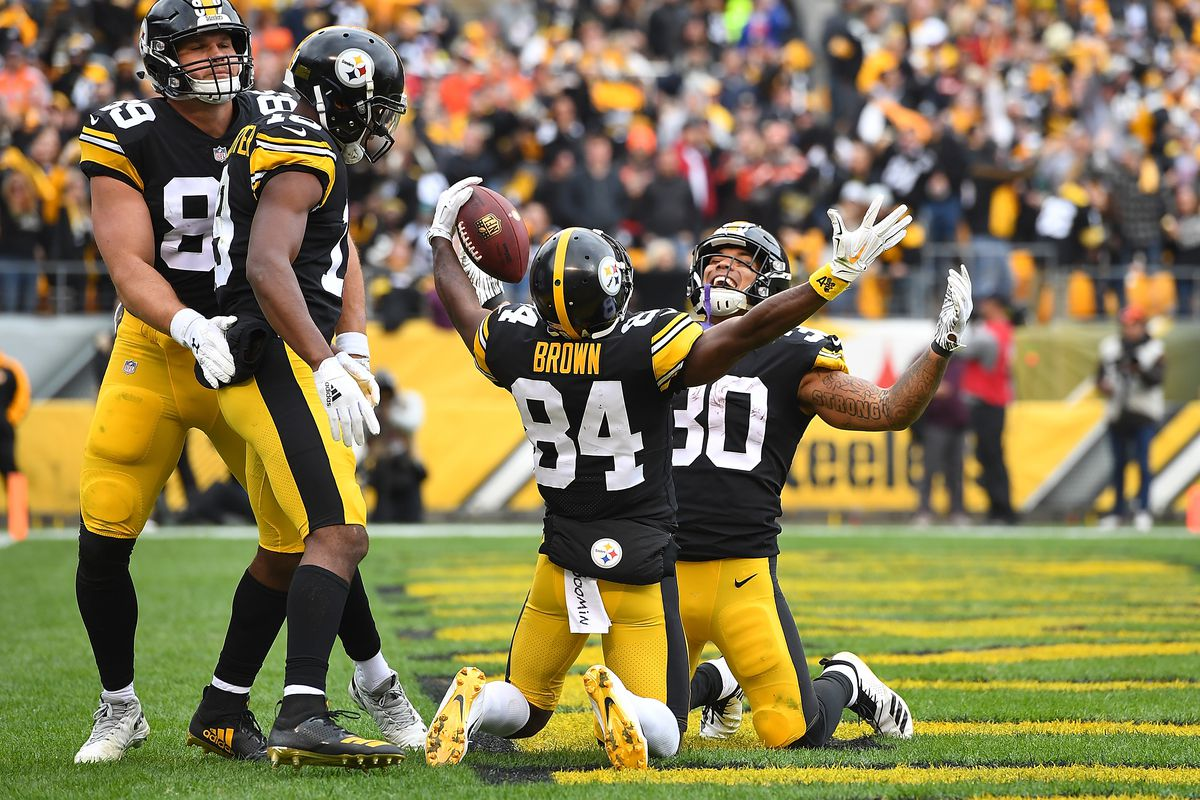 official photos 9d30b 261b2 Knee Jerk Reactions to the Steelers' 33-18 victory over ...