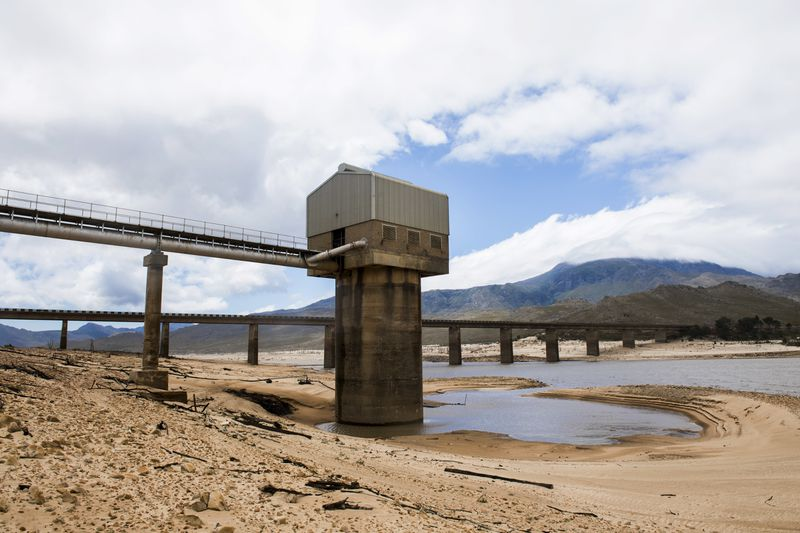 Cape Town South Africa water crisis Theewaterskloof dam empty