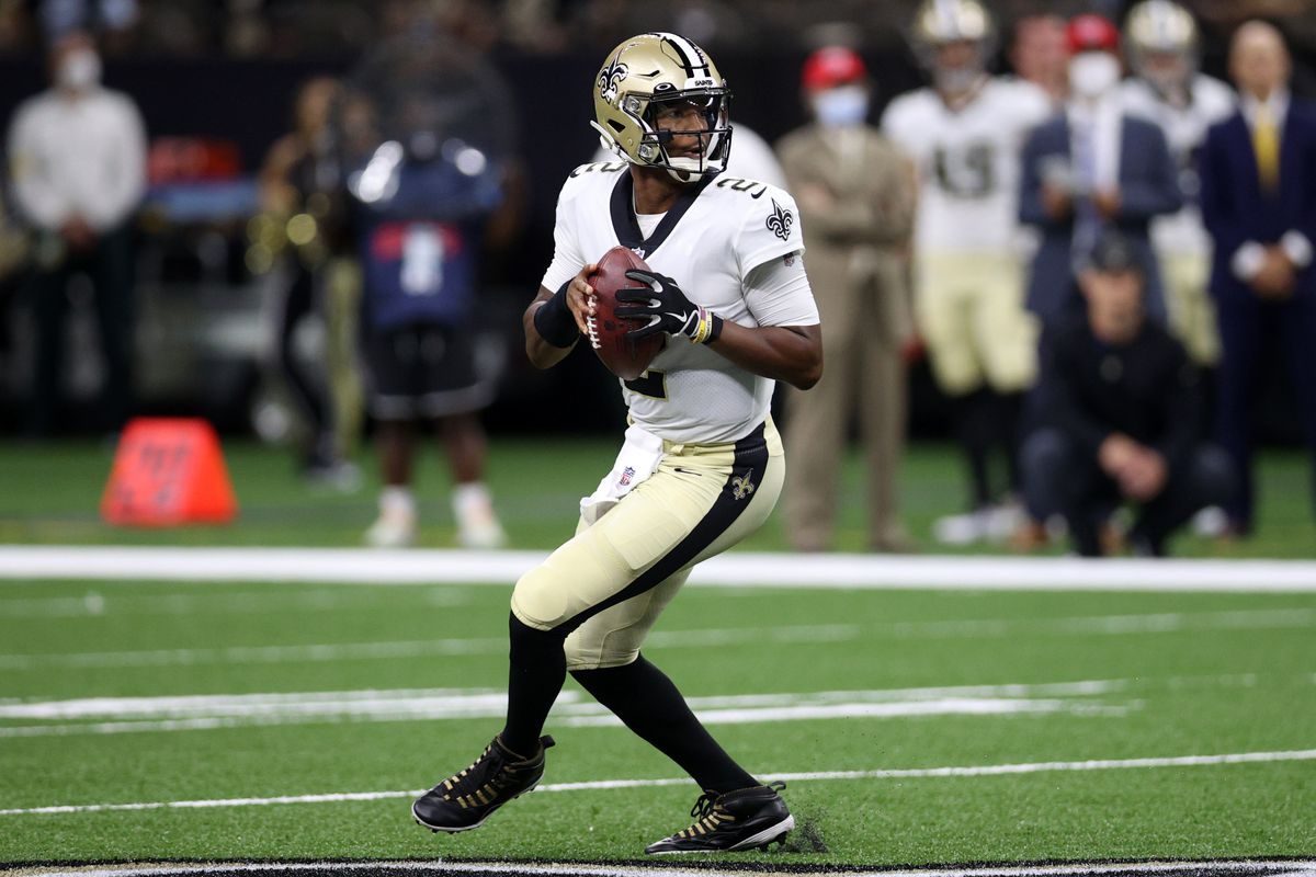 Jameis Winston #2 of the New Orleans Saints looks to throw a pass against the Jacksonville Jaguars at Caesars Superdome on August 23, 2021 in New Orleans, Louisiana.