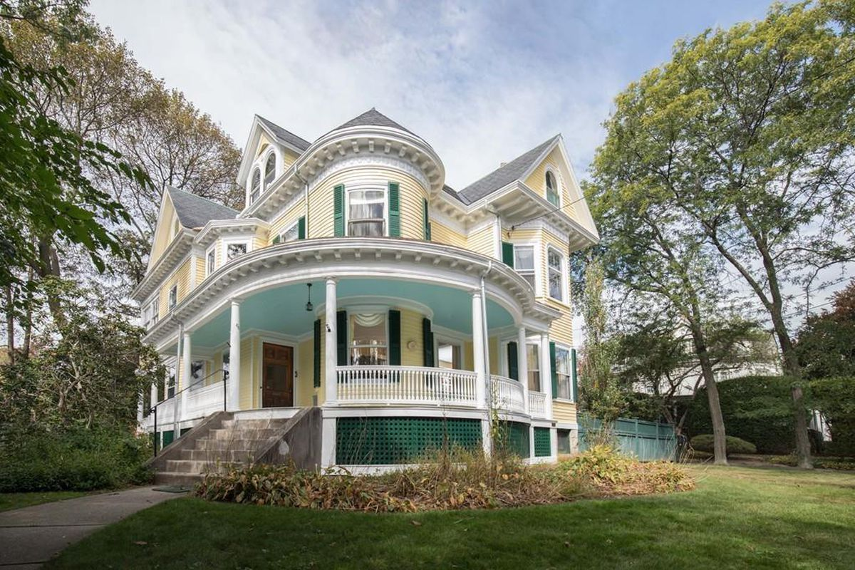 Watertown colonial revival on sale for first time in 54 for Colonial style houses for sale