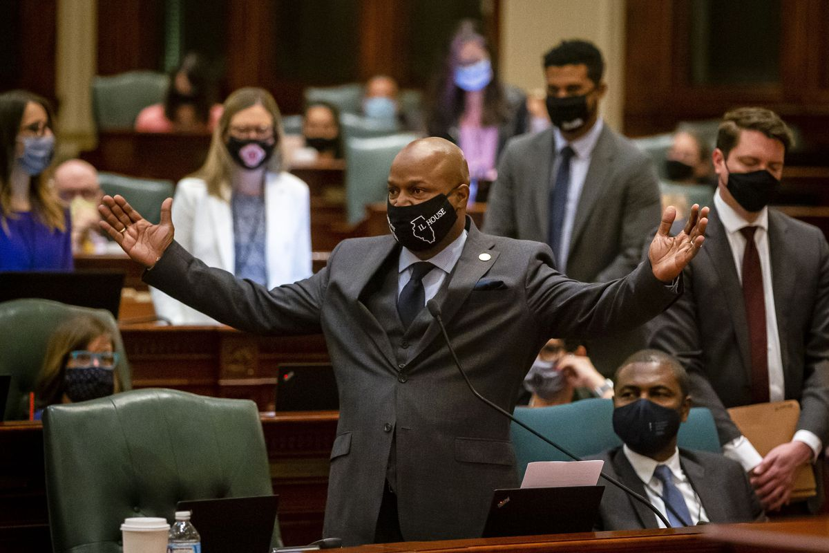 """House Speaker Emanuel """"Chris"""" Welch, D-Hillside, speaks in favor of the bill redrawing legislative districts in Illinois on the House floor in May."""