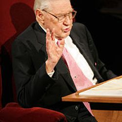 President James E. Faust, who died Friday, speaks at a Church Educational System fireside in the Tabernacle on Temple Square, May 6, 2007.