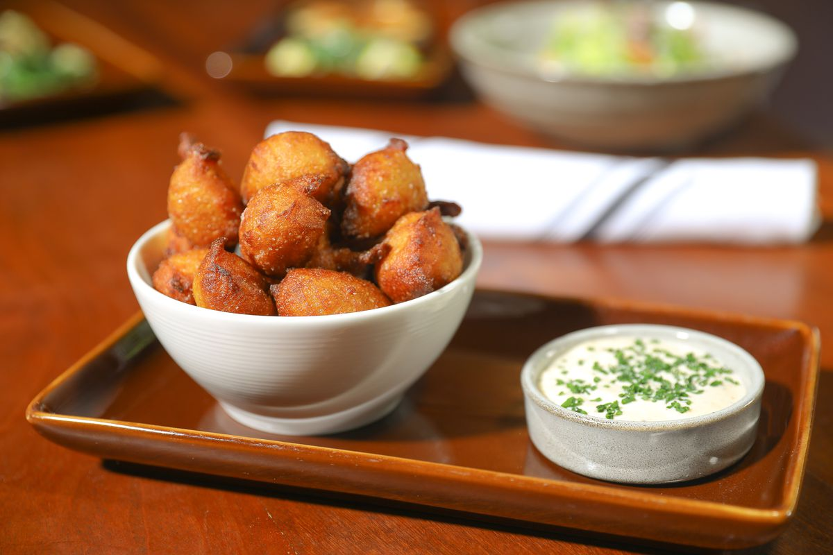 Battered vegetables with Chezchez dip