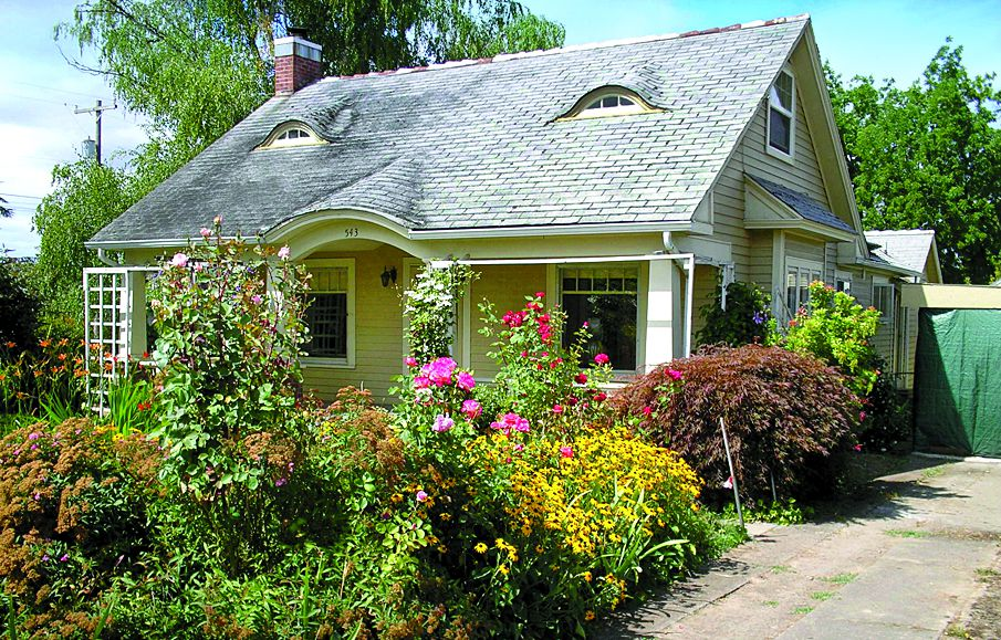 Curb Appeal After: 1938 Cottage In Carlton, Oregon