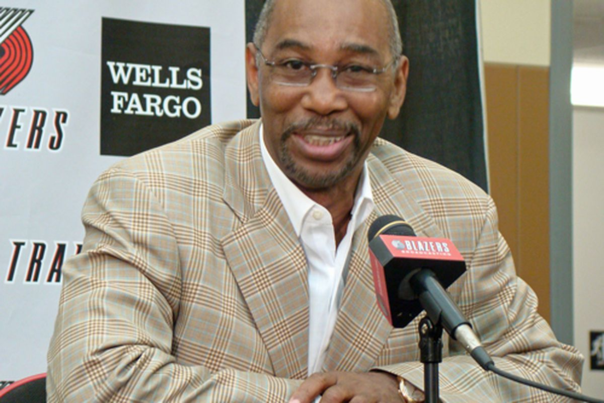 Larry Miller resigns as president of the Blazers.