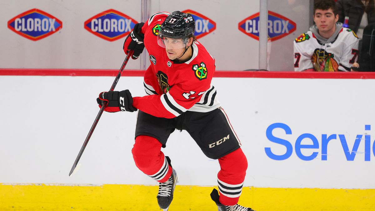 Chicago Blackhawks center Dylan Strome (17) skates with the puck during a game between the Chicago Blackhawks and the Vancouvers Canucks on October 21, 2021 at the United Center in Chicago, IL.