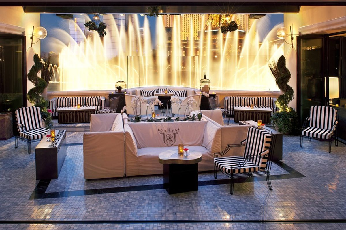 Hyde Lounge overlooking the Fountains at Bellagio.