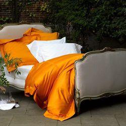 "Build a dreamy bed for a dreamy evening; photo via <a href=""http://www.matouk.com/"">Matouk</a>"