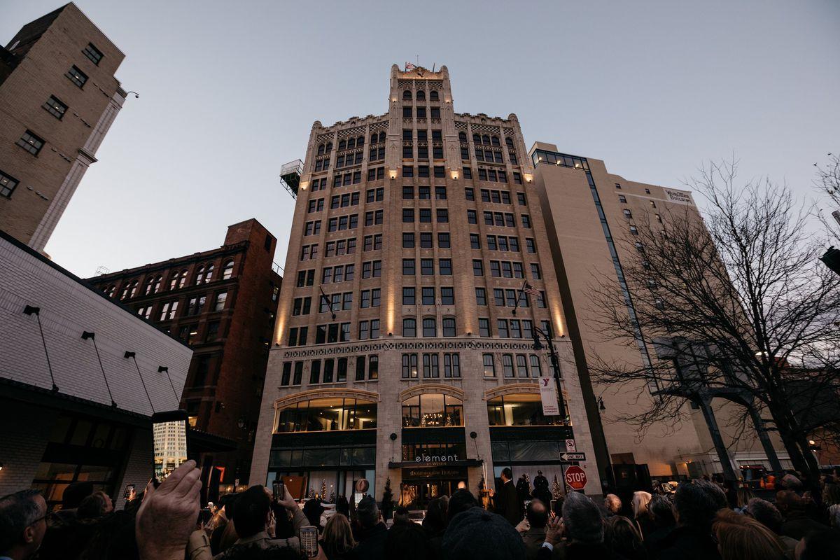 New Detroit Hotel in Metropolitan Building Reveals Rooftop