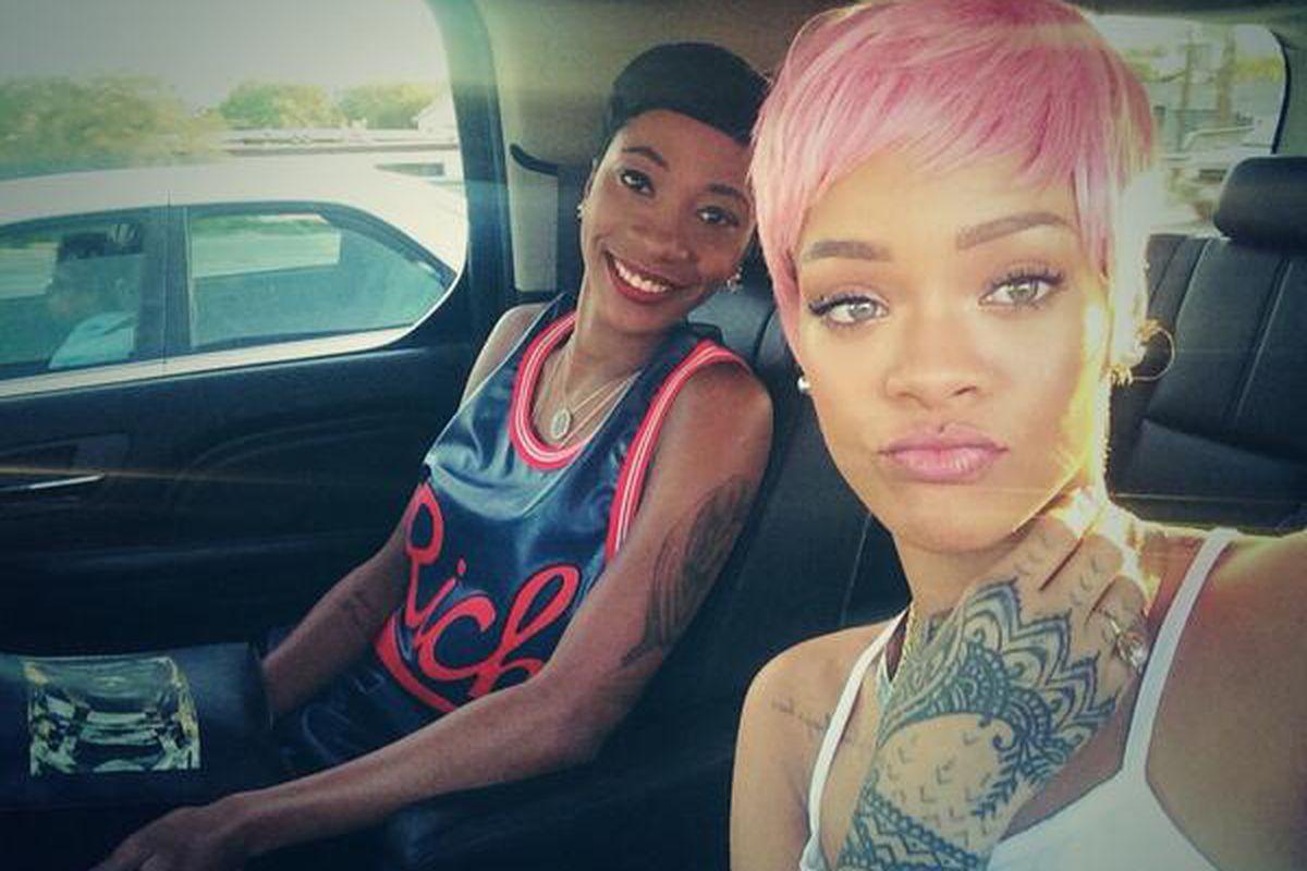 "Image via Rihanna/<a href=""https://twitter.com/rihanna/status/467129896603762688/photo/1"">Twitter</a>."