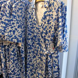 It's a mini wrap dress! This is an XXL large and would be great for, like, a ten-year-old.