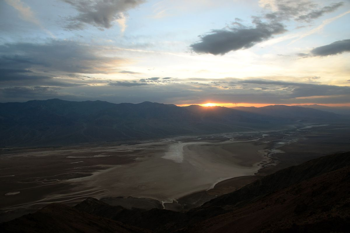 Views Of Badwater Basin And Dante's View In Death Valley