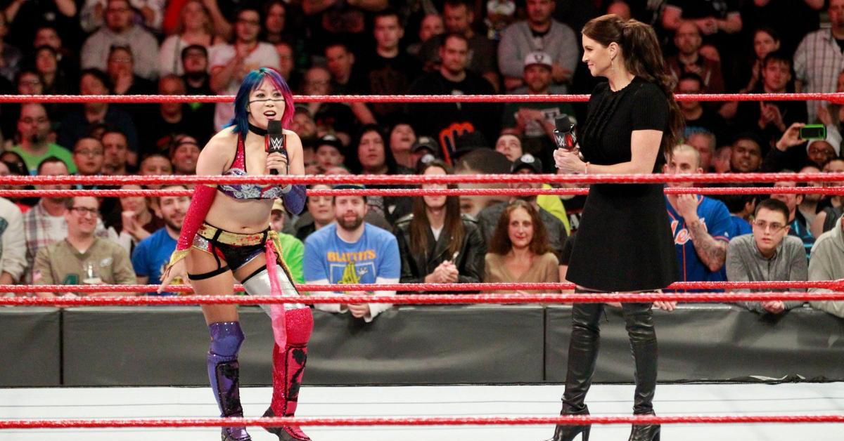 Wwe Raw Highlights Women S Elimination Chamber