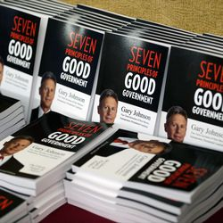 Books by Libertarian presidential candidate Gary Johnson are on display the National Libertarian Party Convention on Friday, May 27, 2016, in Orlando, Fla.