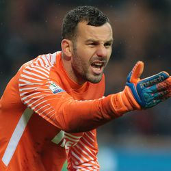 Samir Handanovic of FC Internazionale Milano shouts during the TIM Cup match between AC Milan and FC Internazionale at Stadio Giuseppe Meazza on December 27, 2017 in Milan, Italy.