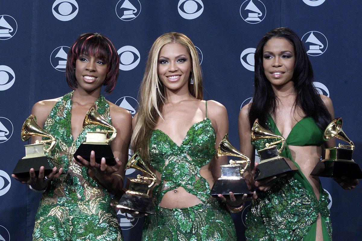 Destiny's child with their 5 Grammys