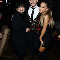 Joan, Frankie, and Ariana Grande. Photo: Kevin Mazur/Getty Images