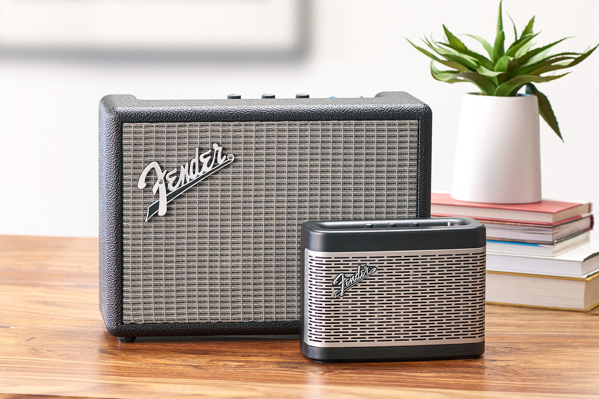 fender 39 s new bluetooth speakers look just like mini guitar amps the verge. Black Bedroom Furniture Sets. Home Design Ideas