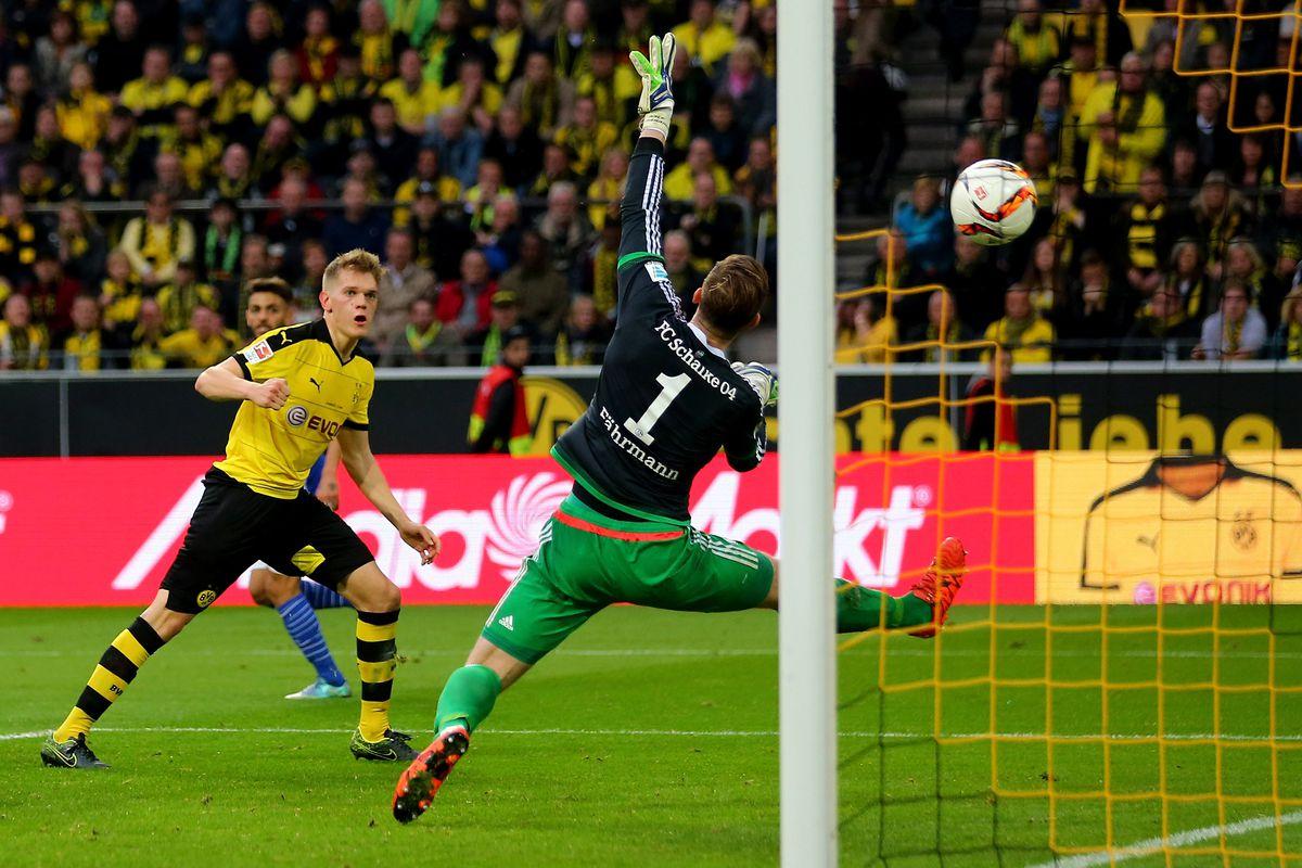 Ginter heads home to put Dortmund 2-1 up against rivals Schalke
