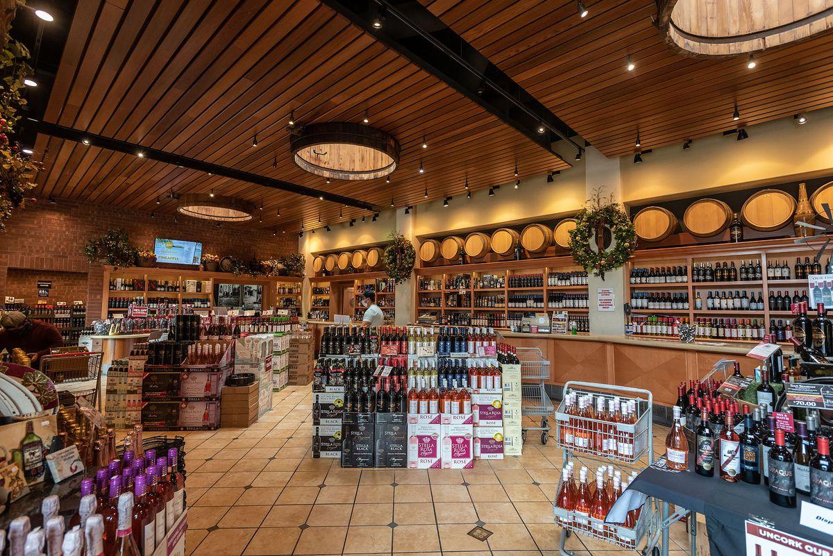 San Antonio Winery's tasting room