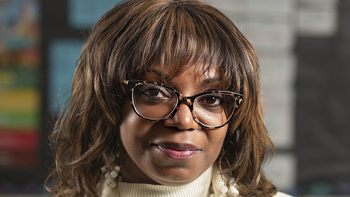 A headshot of teacher Tavia Redmond.