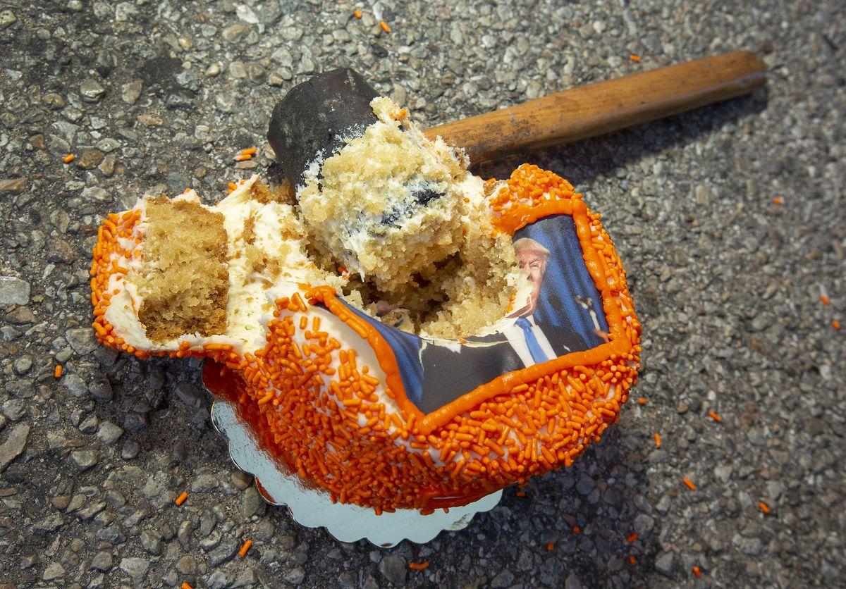 A smashed cake