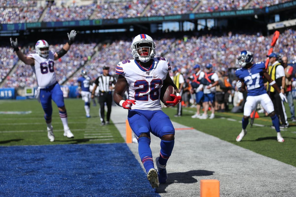 Buffalo Bills running back Devin Singletary runs for a touchdown against the New York Giants during the second quarter at MetLife Stadium.