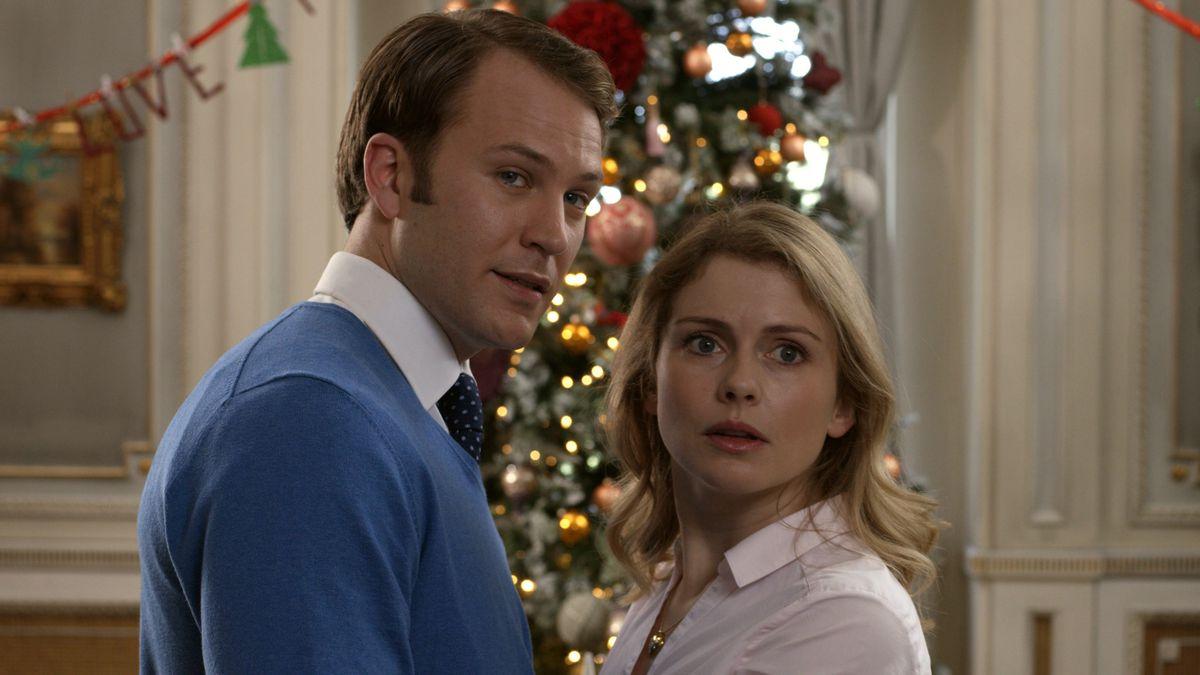 Richard (Lamb) and Amber (McIver) look shocked.