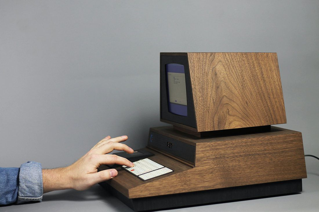 This custom Commodore PET 2001 is a beautifully crafted retro gaming ...