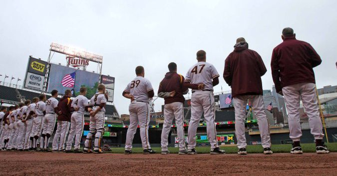 Gophers_at_target_field