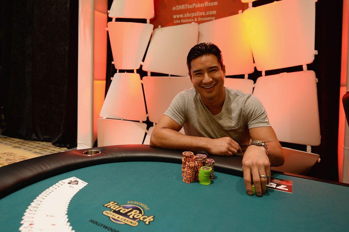 Mario Lopez Stopped By Seminole Hard Rock Hotel & Casino Hollywood Seminole Hard Rock Poker Open
