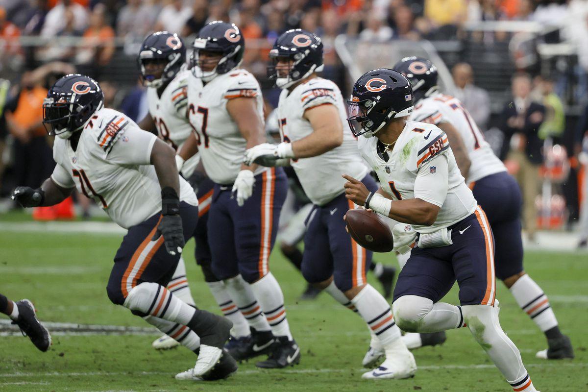 Chicago Bears v Las Vegas Raiders