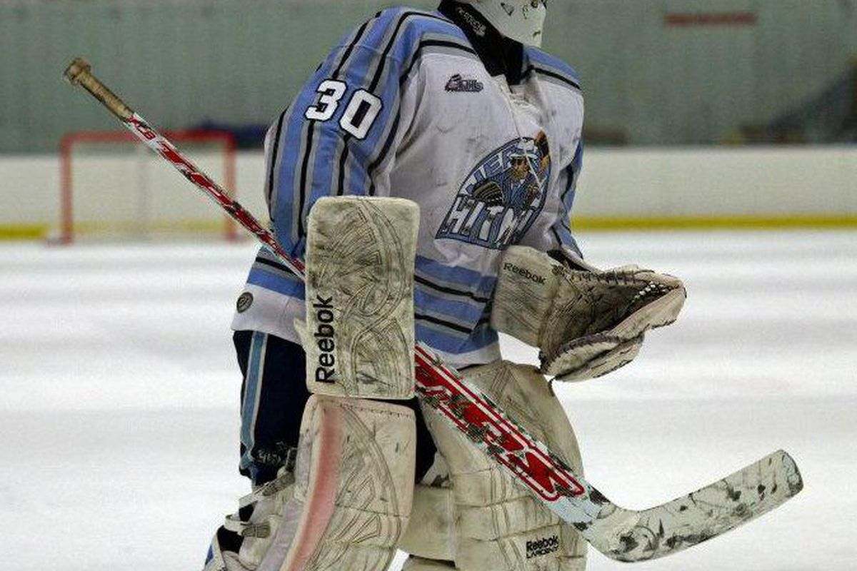 Adam Miller from the New Jersey Hitmen will replace the transferring Mitch Thompson as the Badgers new third-string goaltender.