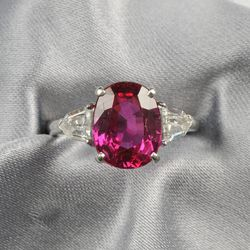 <strong>From December</strong>: Burma ruby and diamond ring set with an oval-cut ruby weighing 4.66 carats, exceeded its pre-sale estimate high of $60,000, selling for $150,000; Image courtesy of Skinner