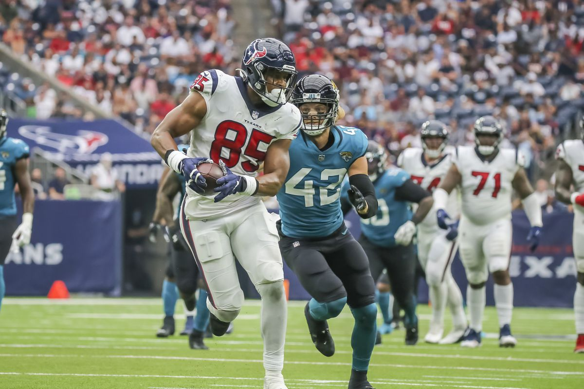 Houston Texans tight end Pharaoh Brown (85) carries the ball in the third quarter during the football game between the Jacksonville Jaguars and Houston Texans on September 12, 2021 at NRG Stadium in Houston, Texas.