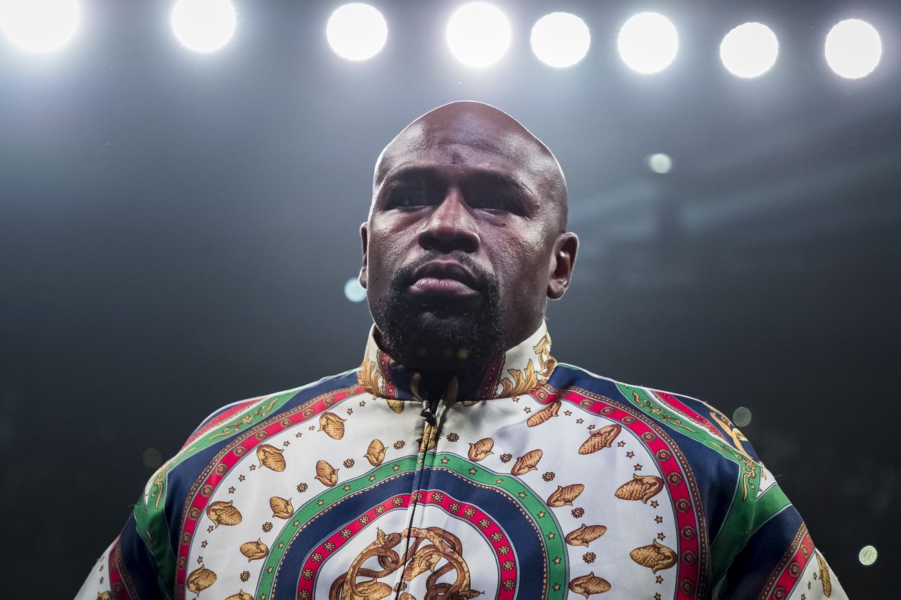 1158190182.jpg.0 - Mayweather: Fighters can't expect same paydays without fans