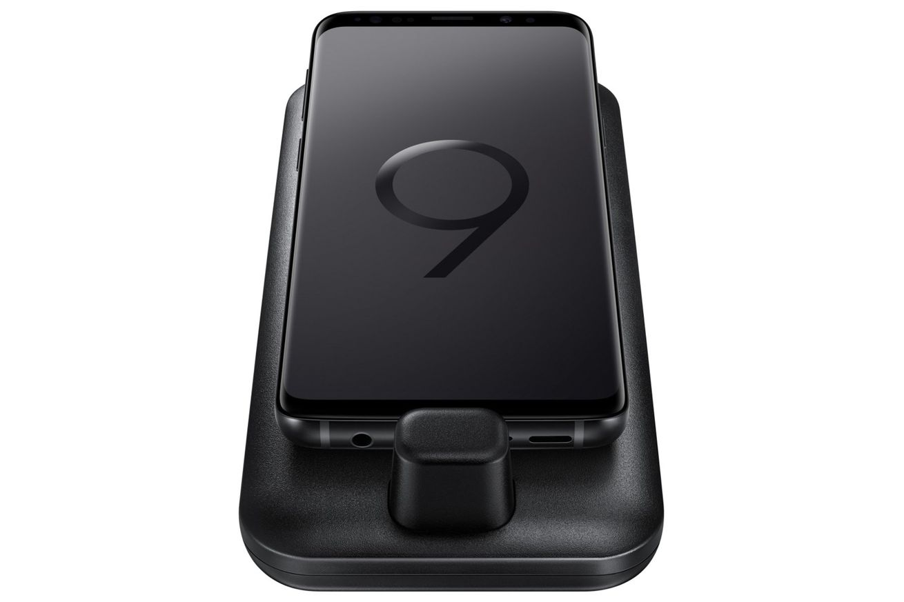 samsung s galaxy s9 looks set to retain the headphone jack