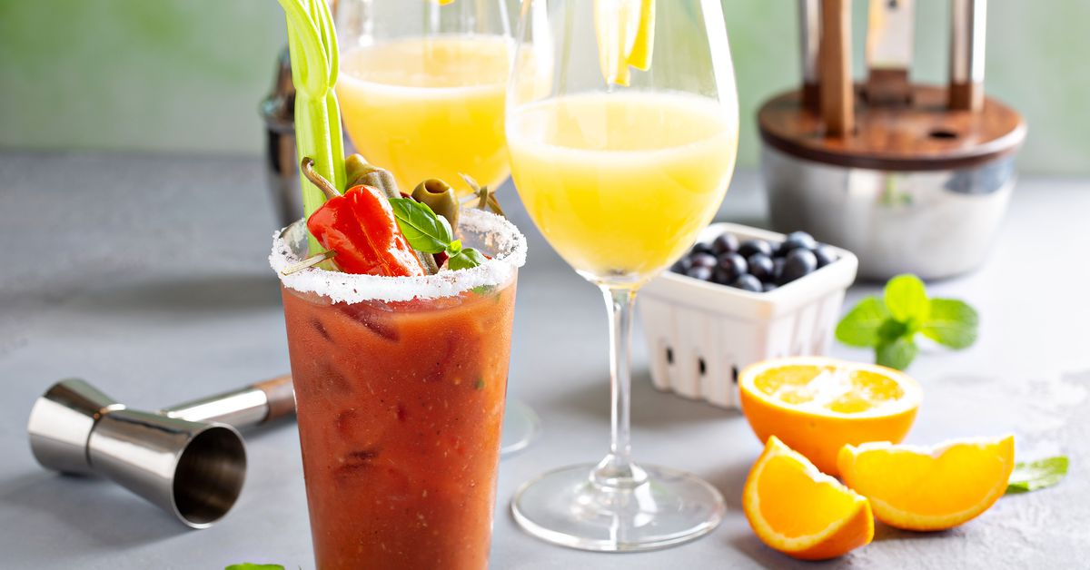Sunday Boozy Brunches Could Soon Start Earlier if Chicago Law Changes