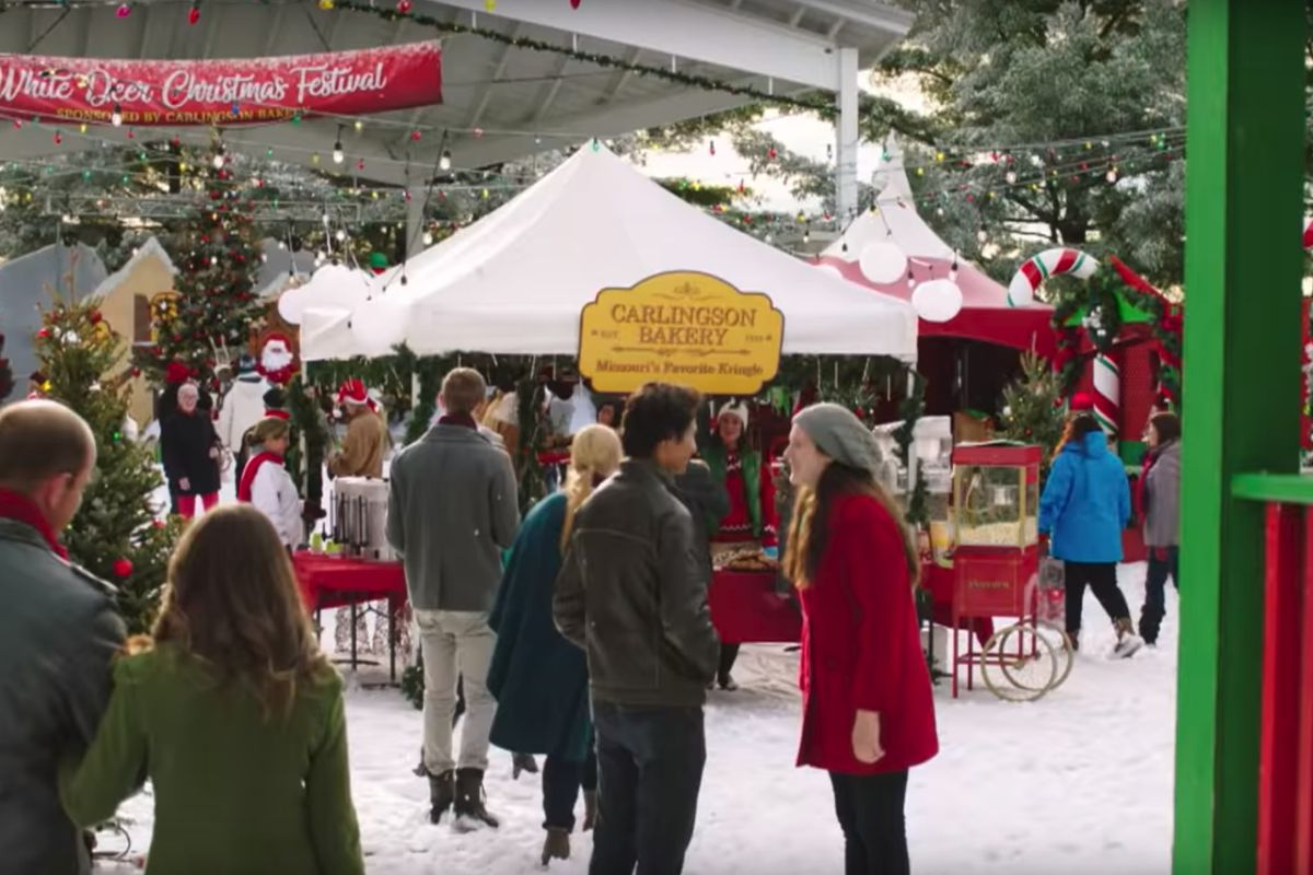 Hallmark Movies Christmas In July.Hallmark Channel S First Christmas Movies To Debut In July
