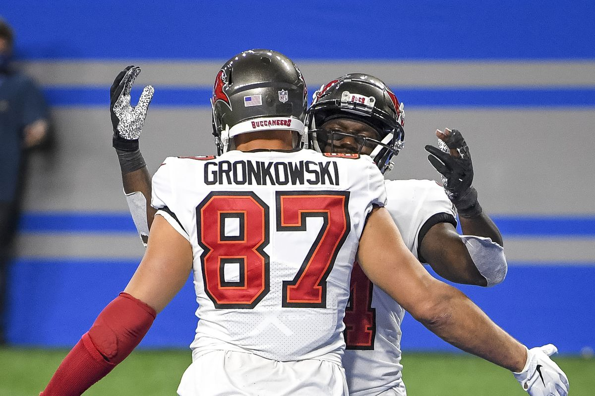 Tampa Bay Buccaneers v Detroit Lions Rob Gronkowski